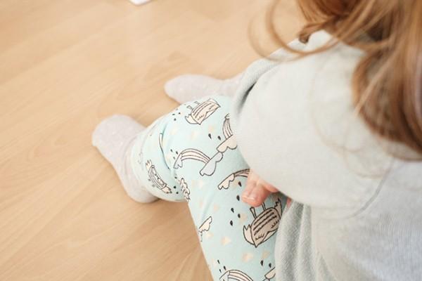 Emma mit Leggings klein