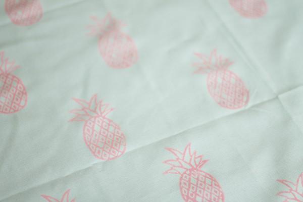 rosa Ananas Stoffdruck