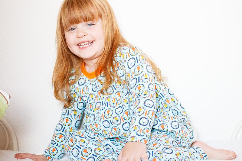 Schlafanzug The Ultimate pajama pattern von Heifi&Finn aus GOTS zertifiziertem Jersey Lion Boy von Alles für Selbermacher