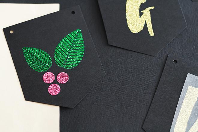 Weihnachtliche Wimpelkette aus SnapPap und Glitzerfolie selbermachen