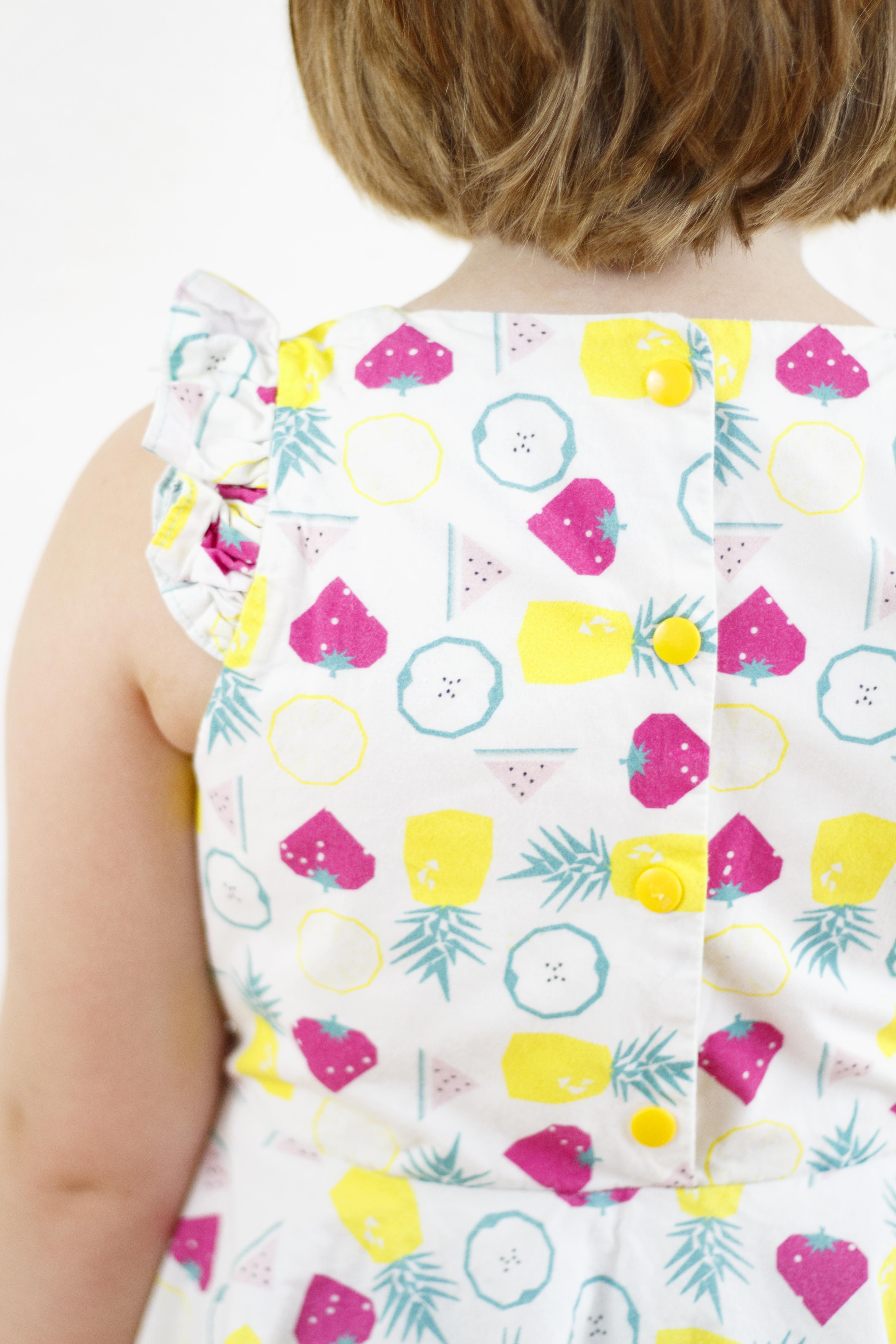 Sommerkleid Leni nach pattydoo aus Bio Popeline mit Früchten von stoffe.de