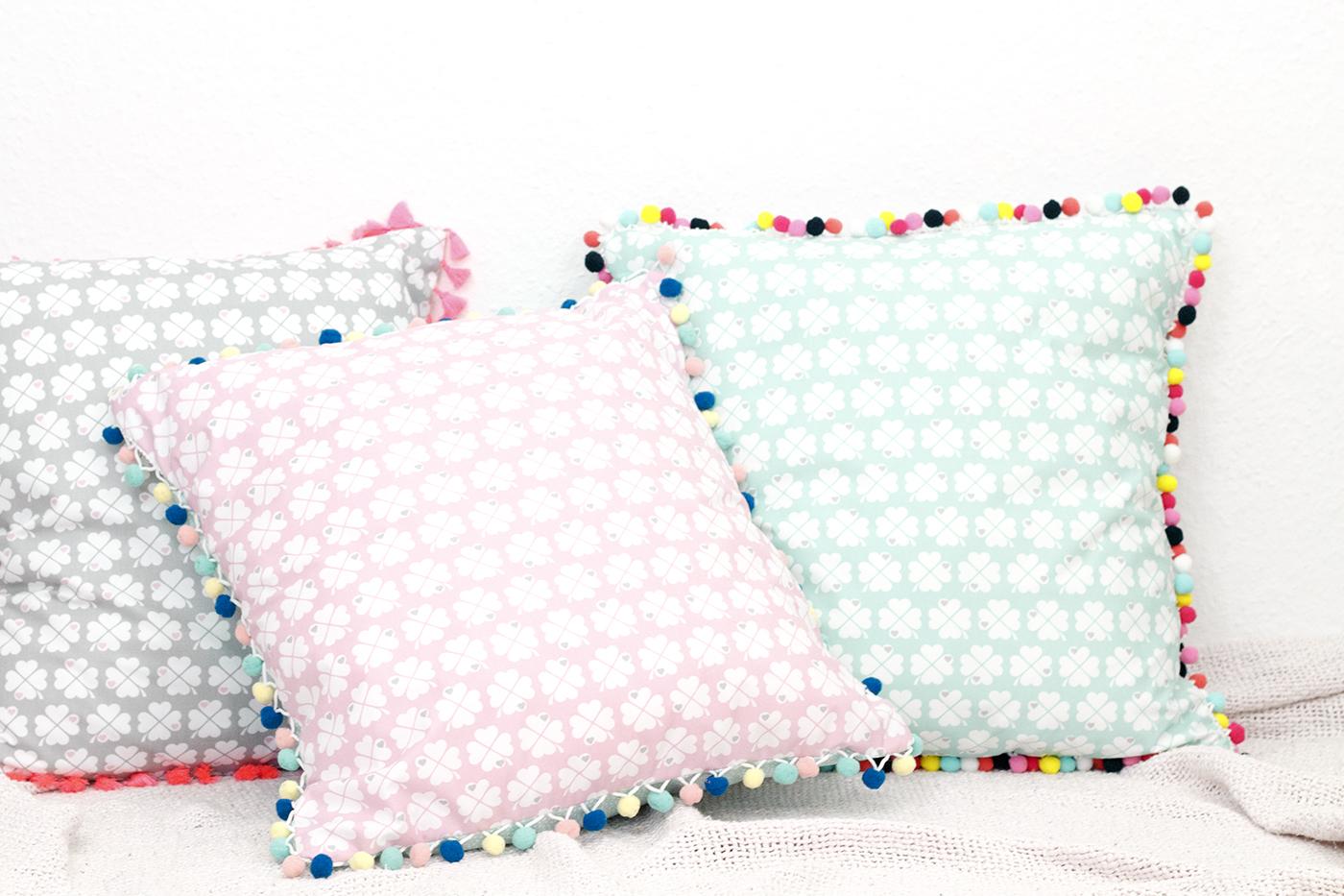 Anleitung Kissenbezug mit Bommelborte nähen