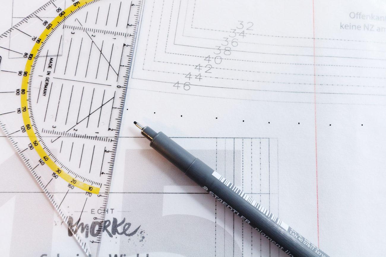 christinaa - Schnittmuster gradieren - So kannst du ein Schnittmuster selbst vergrößern - Schnieke Wiebke von Echt Knorke